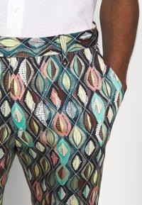 Bertoni - BLOCH TROUSER EXCLUSIVE - Trousers - black - 5