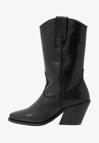 Vero Moda - VMASA BOOT - Cowboy/Biker boots - black - 1