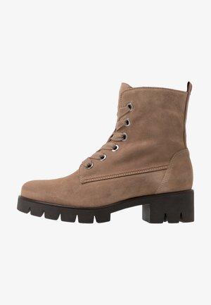 Platform ankle boots - desert