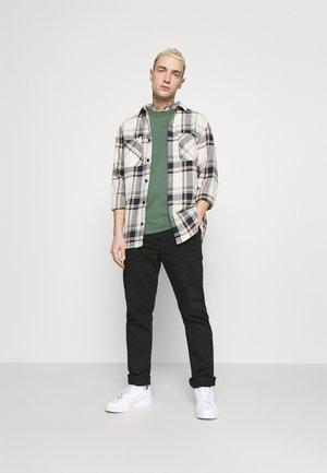 SLIM FIT 2 PACK - T-shirt basic - duck green/black