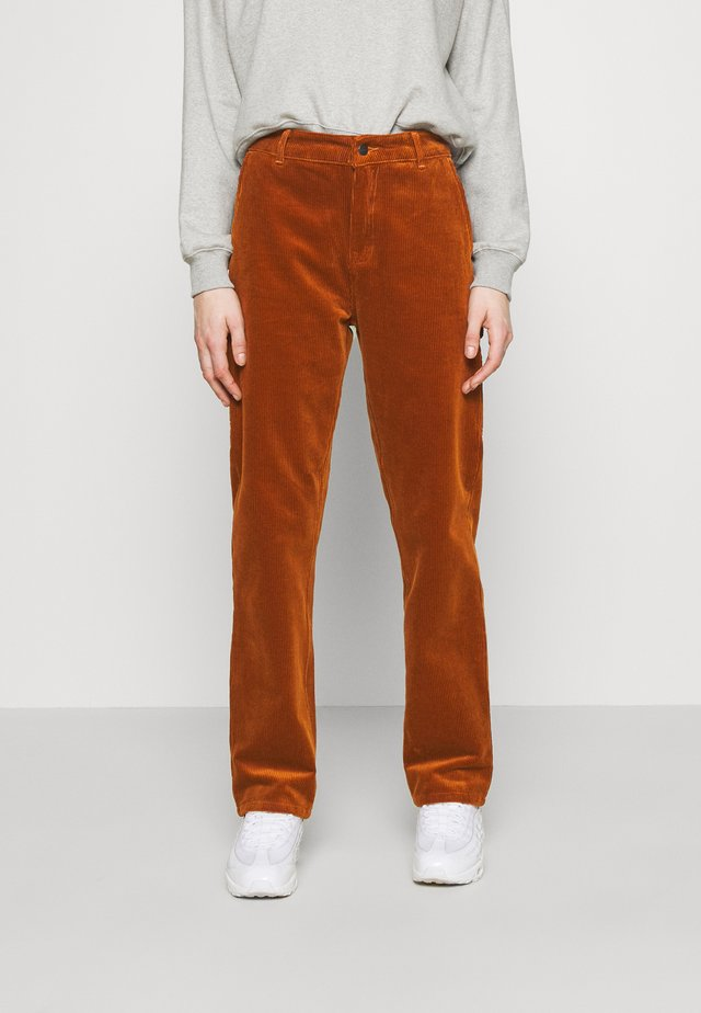 PIERCE PANT - Trousers - brandy