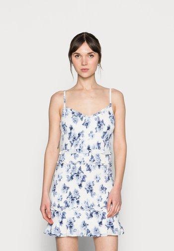 EMEA SMOCKED SHORT DRESS - Kjole - white-grounded/blue