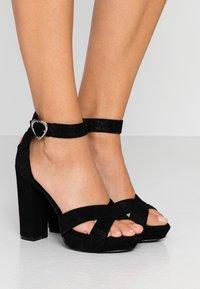 KARL LAGERFELD - SOIREE LOVE CROSS SANDAL - Korolliset sandaalit - black - 0