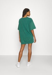 BDG Urban Outfitters - SUBLIME DAD TEE DRESS - Jersey dress - green - 2