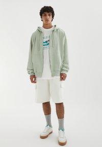 PULL&BEAR - Zip-up sweatshirt - green - 1