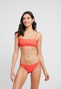 Cotton On Body - TUBE BIKINI SET - Bikini - sipcy red - 1