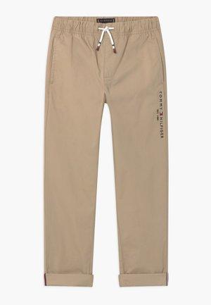 PULL ON PANTS - Kalhoty - silt