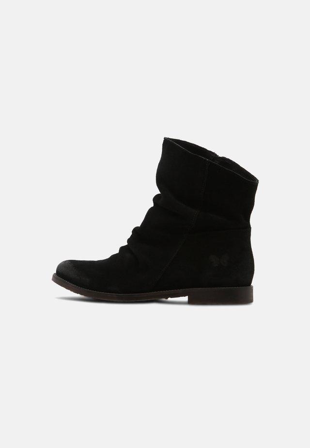CLASH - Korte laarzen - celtic black