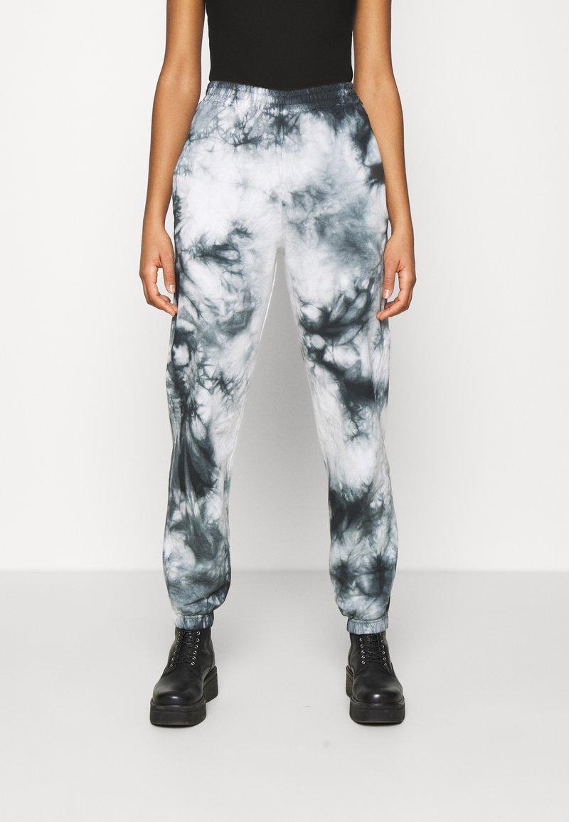 New Look - TIE DYE JOGGER - Tracksuit bottoms - dark grey