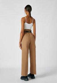 PULL&BEAR - Kalhoty - camel - 2