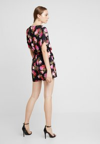 Missguided - WRAP OVER KIMONO SLEEVE PLAYSUIT - Combinaison - black - 2