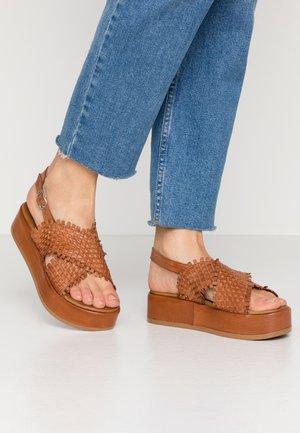 Platform sandals - camel