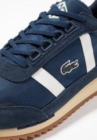 Lacoste - PARTNER RETRO - Sneaker low - navy/offwhite - 5