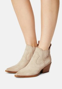 Bronx - JUKESON - Cowboy/biker ankle boot - sand - 0
