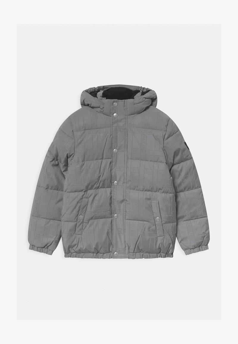 Calvin Klein Jeans - REFLECTIVE LOGO TAPE - Zimní bunda - black/silver