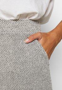 ONLY - ONLALBA AMY PANT - Trousers - light grey melange - 4