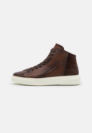 Sneakers hoog - castagno