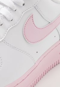 Nike Sportswear - AIR FORCE 1 '07 BRICK - Trainers - white/pink - 5