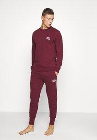 Diesel - UMLT-WILLY SWEAT-SHIRT - Pyjama top - burgundy - 1