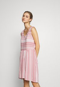 LASCANA - Day dress - weiß/mauve - 1