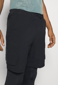 Under Armour - RUN ANYWHERE 2-IN-1 LONG - Pantaloncini sportivi - black - 3