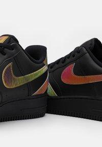 Nike Sportswear - AIR FORCE 1 '07 UNISEX - Trainers - black/multicolor - 5