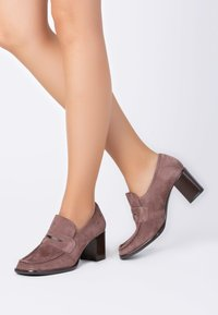 TJ Collection - Classic heels - beige - 0