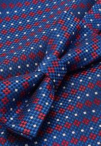 Only & Sons - ONSTOBIAS BOW TIE BOX HANKERCHIE SET - Pocket square - copen blue - 6