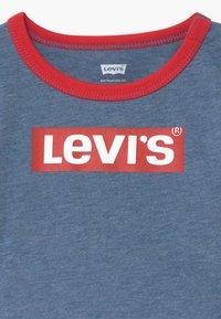 Levi's® - STRETCH SET - Short en jean - navy heather - 4
