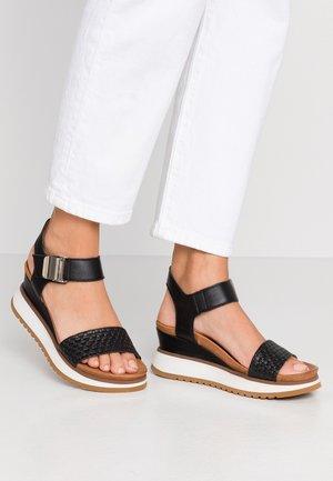 KAREN - Sandály na platformě - black