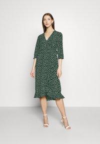 Vero Moda - VMHENNA WRAP CALF DRESS - Kjole - pine grove - 0