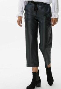 BRAX - STYLE MAINE S - Trousers - marine - 0