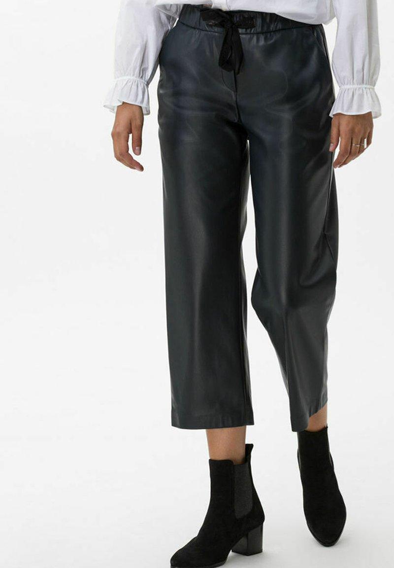 BRAX - STYLE MAINE S - Trousers - marine