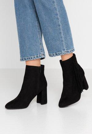 ANAIS FRINGE - Ankle Boot - black