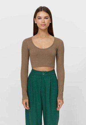 NAHTLOSES CROPPED - Long sleeved top - brown