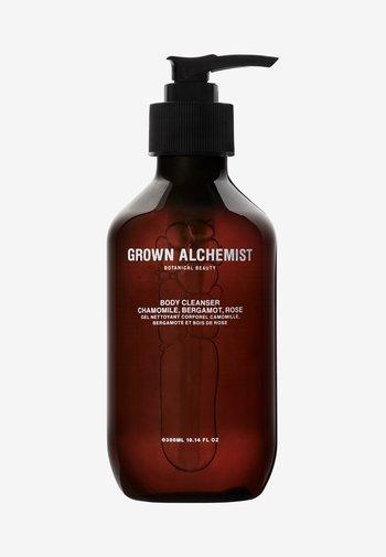 BODY CLEANSER CHAMOMILE, BERGAMOT & ROSEWOOD - Docciaschiuma - -