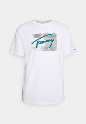 FADED FLAG SCRIPT TEE UNISEX - T-shirt z nadrukiem - white