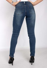 Buena Vista - TUMMYLESS  - Slim fit jeans - mid stone - 1