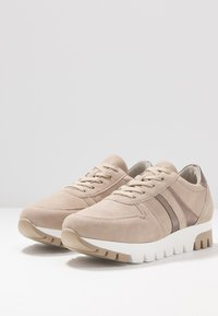 Tamaris - LACE UP - Trainers - taupe/light bronc - 4