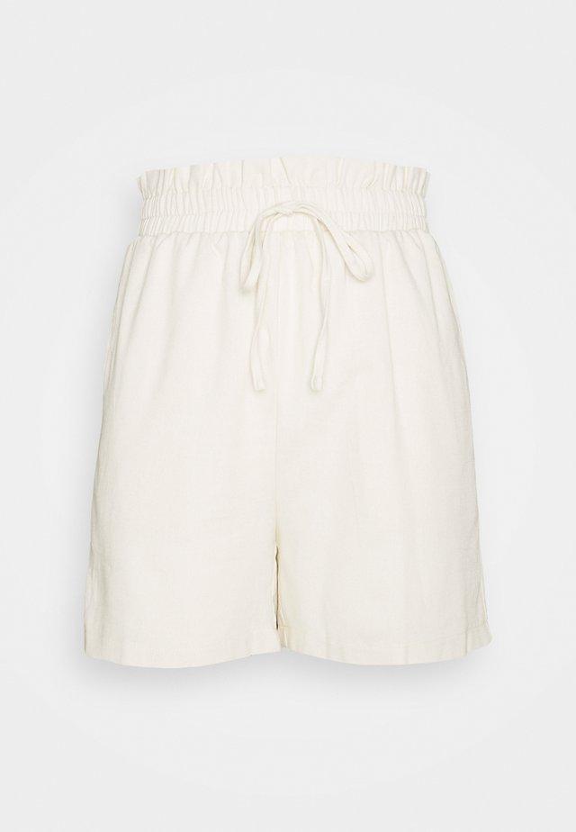 TIE WAIST - Shorts - cream