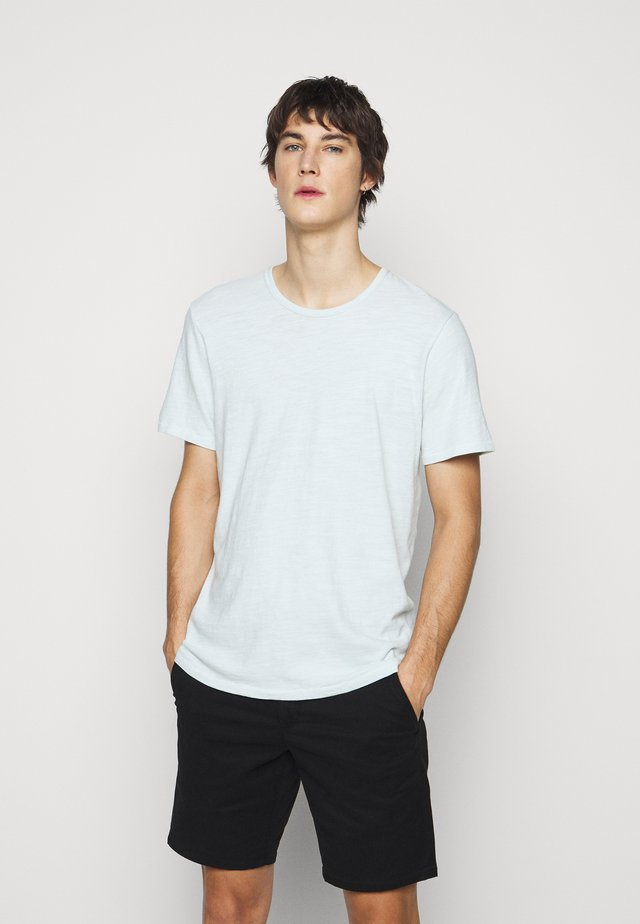 CLASSIC TEE - Jednoduché triko - light blue