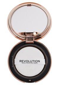 Makeup Revolution - CONCEAL & DEFINE POWDER FOUNDATION - Foundation - p13.5 - 2
