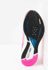 Puma - SPEED 600 2  - Zapatillas de running neutras - luminous pink/digi/blue - 4