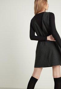 Tezenis - Day dress - - 063u - black/grey houndstooth - 2