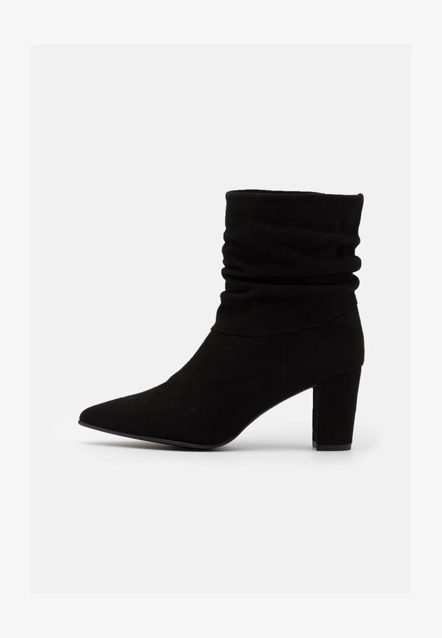 ANDREA - Støvletter - black