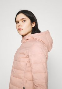 ONLY - ONLSANDIE QUILTED HOOD JACKET - Light jacket - misty rose - 3