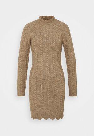 FRILL NECK MINI CABLE DRESS - Sukienka dzianinowa - stone