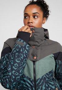 Brunotti - JUNGLEFOWL WOMEN SNOWJACKET - Snowboard jacket - pine grey - 4