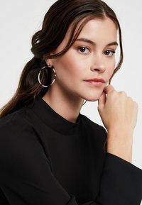 P D Paola - Earrings - multi-coloured - 1