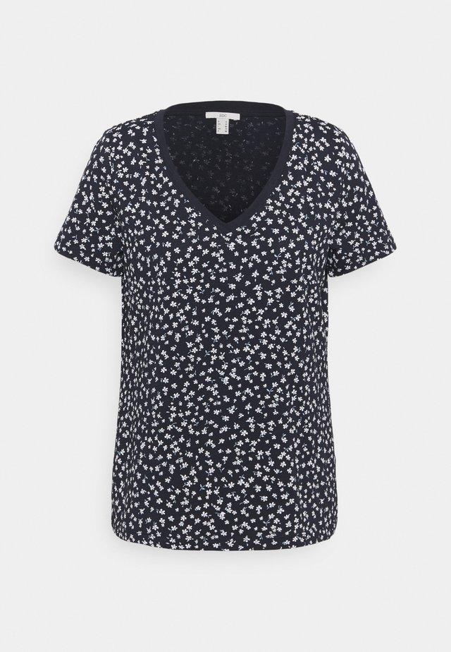 V NECK TEE - Print T-shirt - dark blue